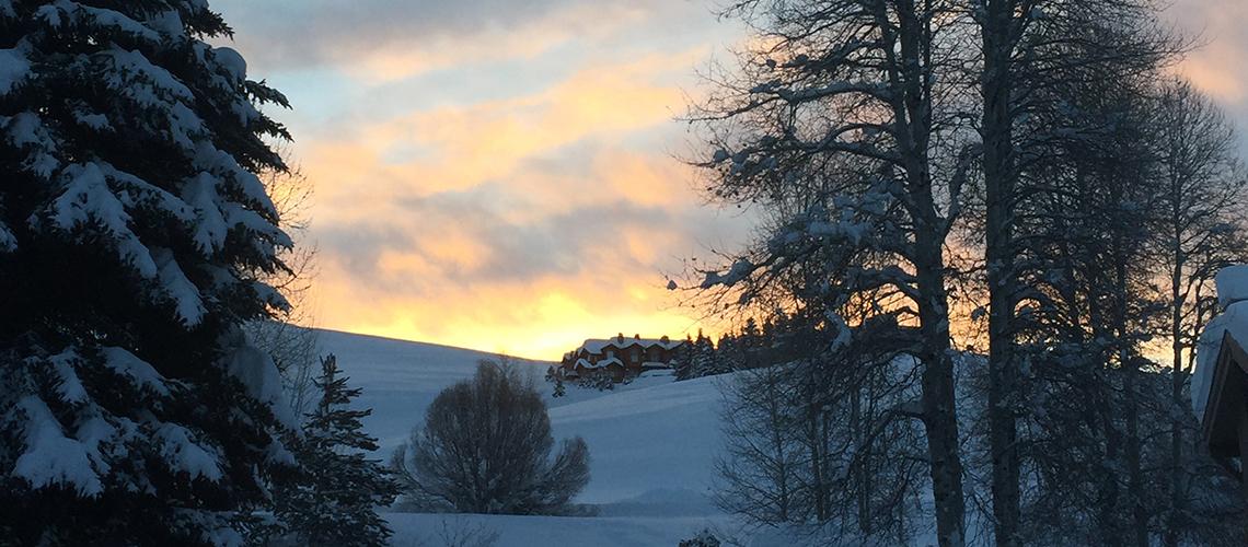 knob-hill-inn-sun-valley-sunrise