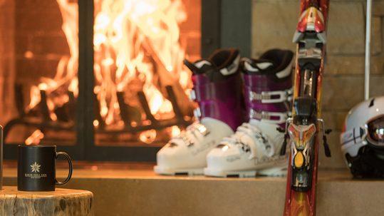 knob-hill-inn-sun-valley-skiing-gear-fireplace